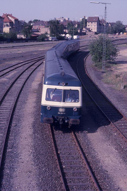 http://www.hgli.lima-city.de/DSO/hist/614059_BdEF-Fahrt_Nordbahnhof_130588.jpg